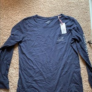 Navy Vineyard Vines T-shirt